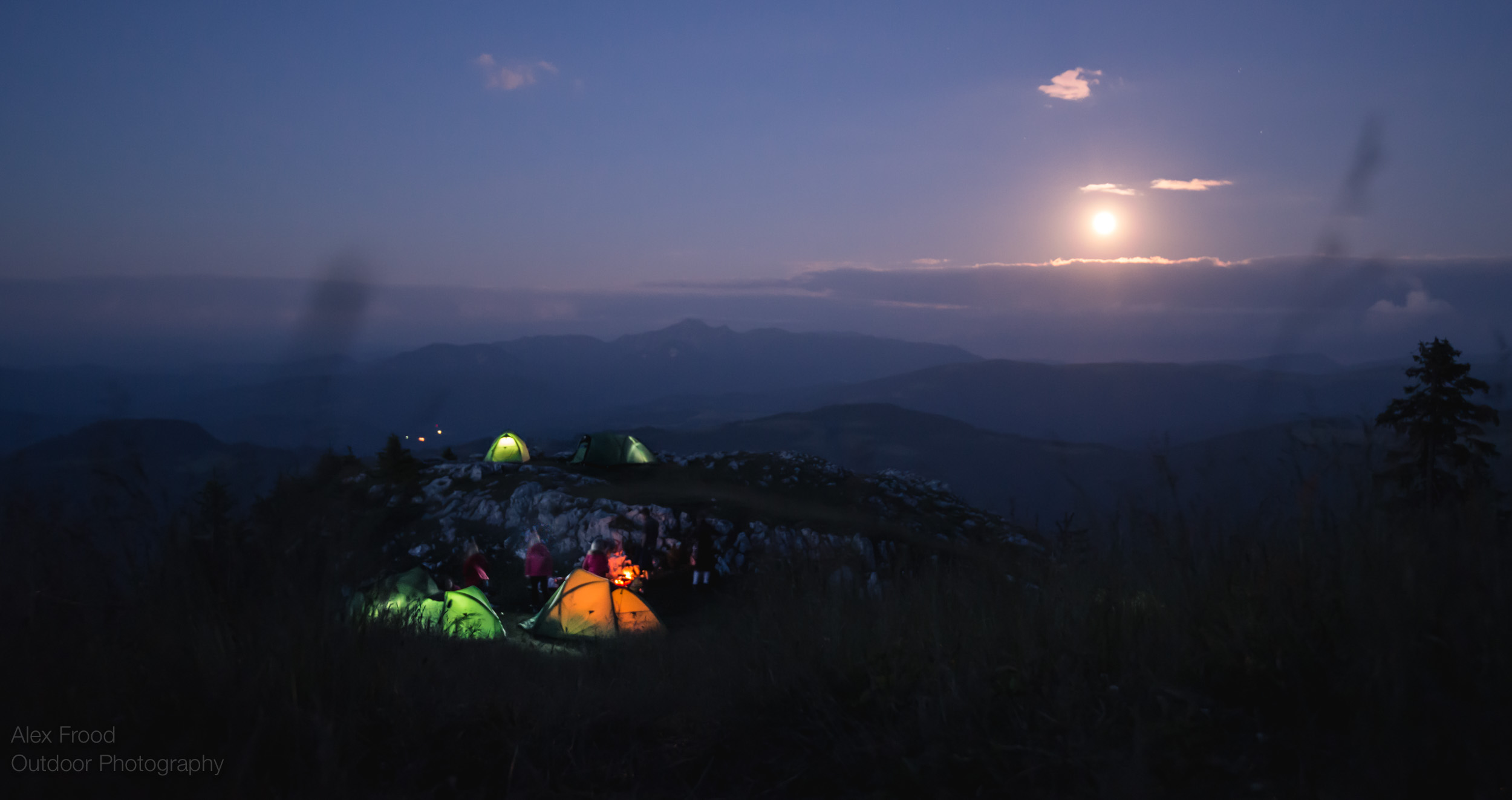 Piatra Mare, Moonrise over Camp