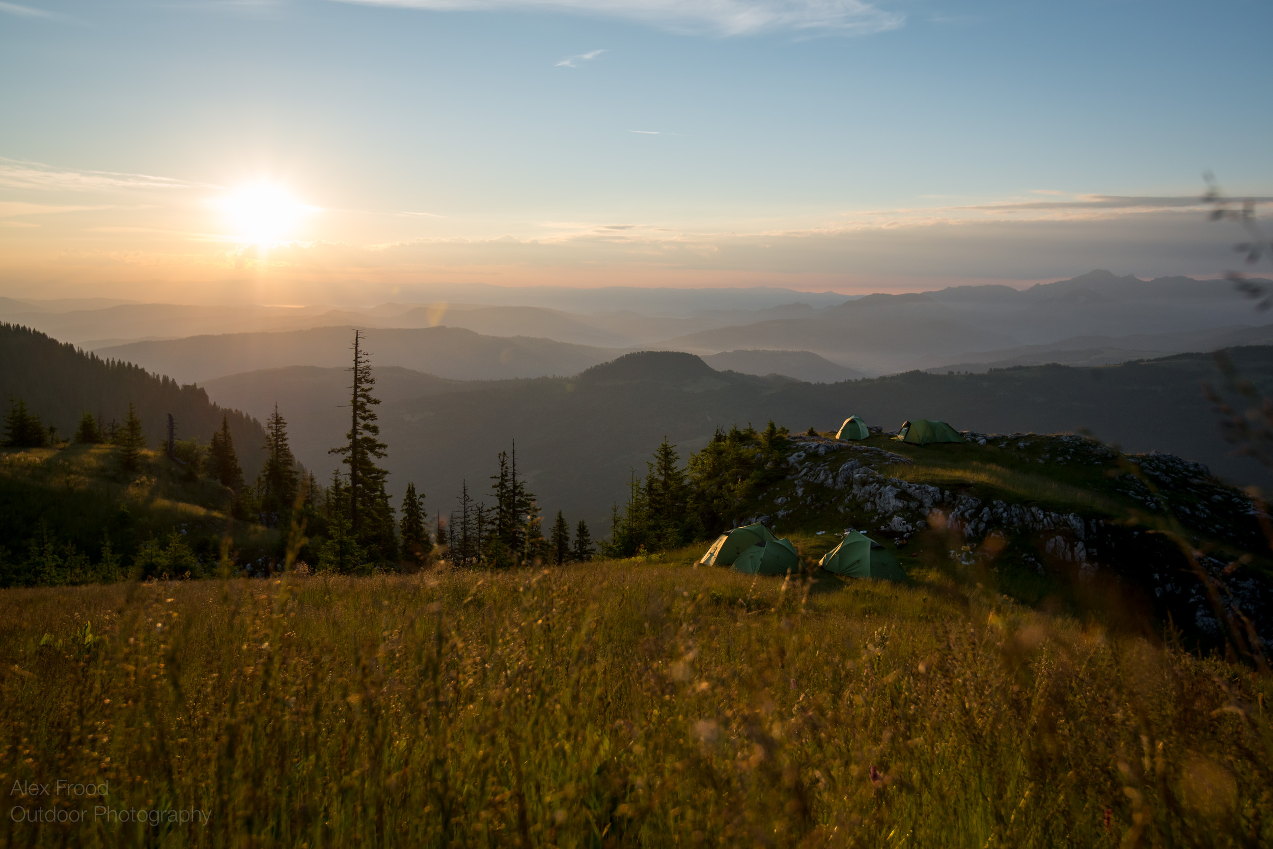 Piatra Mare, Sunrise over Camp