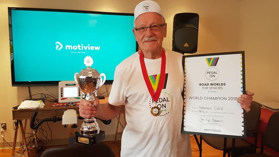 VERDENSMESTER: Norman Côté var tydelig stolt av tittelen verdensmester og holdt en flott takketale.