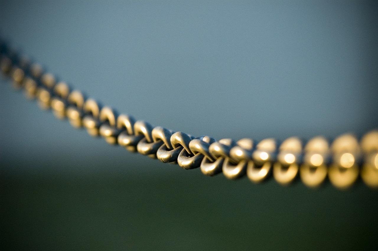 chain-690966_1280.jpg