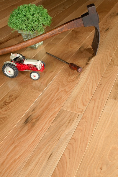 prefinished-character-white-oak-hardwood-floor.jpg