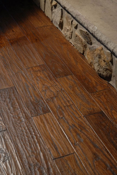 handscraped-red-oak-hardwood-flooring.jpg