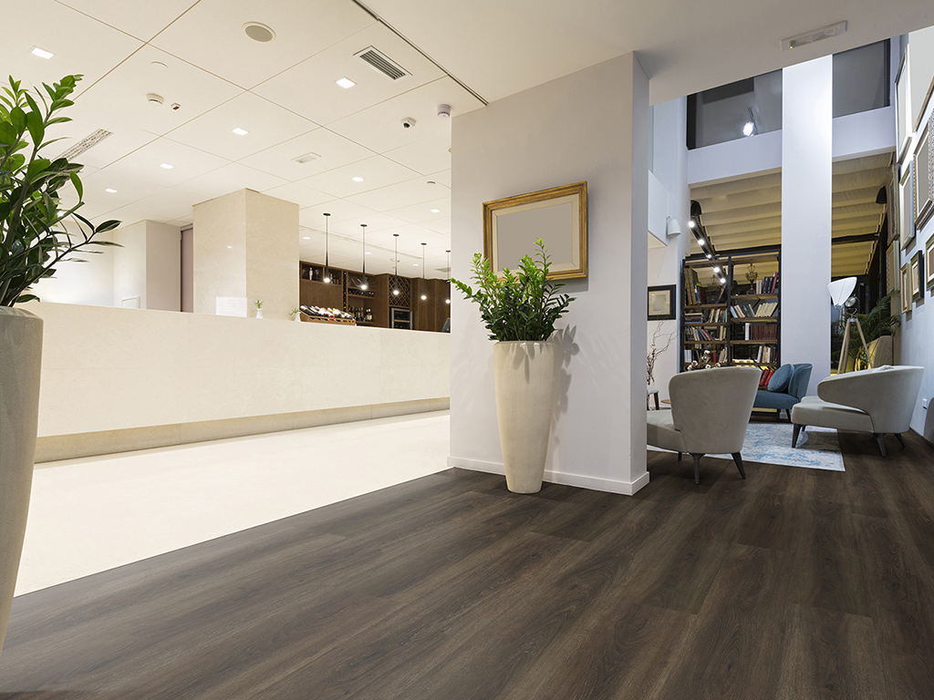 Reward Flooring LVT Majesty Midnight Oak