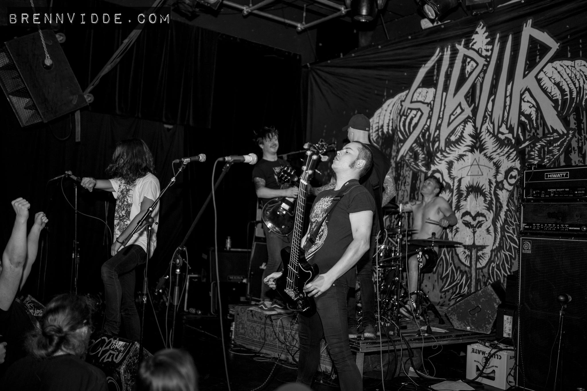 Sibiir  have a reputation for putting on great shows. Check their website to see if they are coming to a town near you!  Photo:  Brennviddefoto