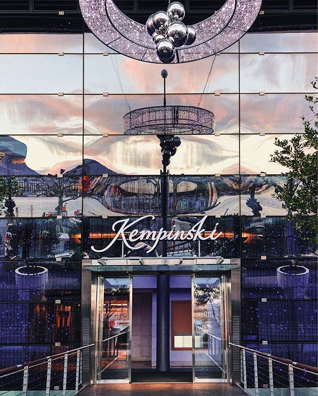 What is the Kempinski Hotel in Geneva trying to leave out? Everyone knows how qualified is the rest in Kempinski hotels and what services they offer to their guests. Although there is something that you find out about only when you actually come there. Or read in our new blog!