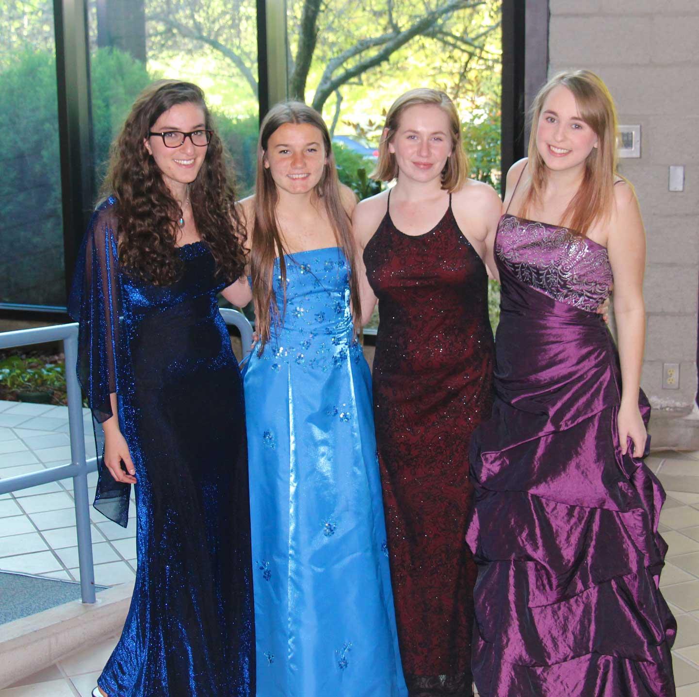4-girls-prom-dresses.jpg