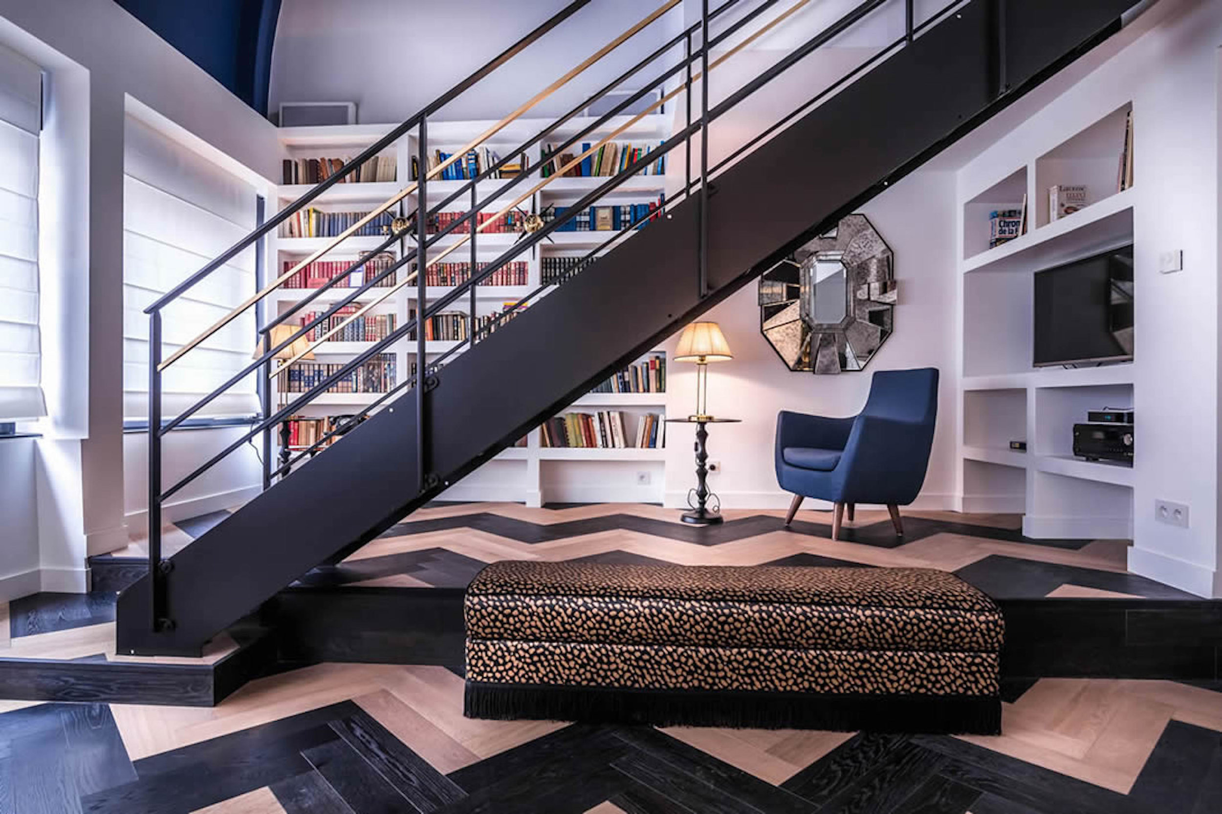 Midnight-Suite-Living-Room-4.jpg
