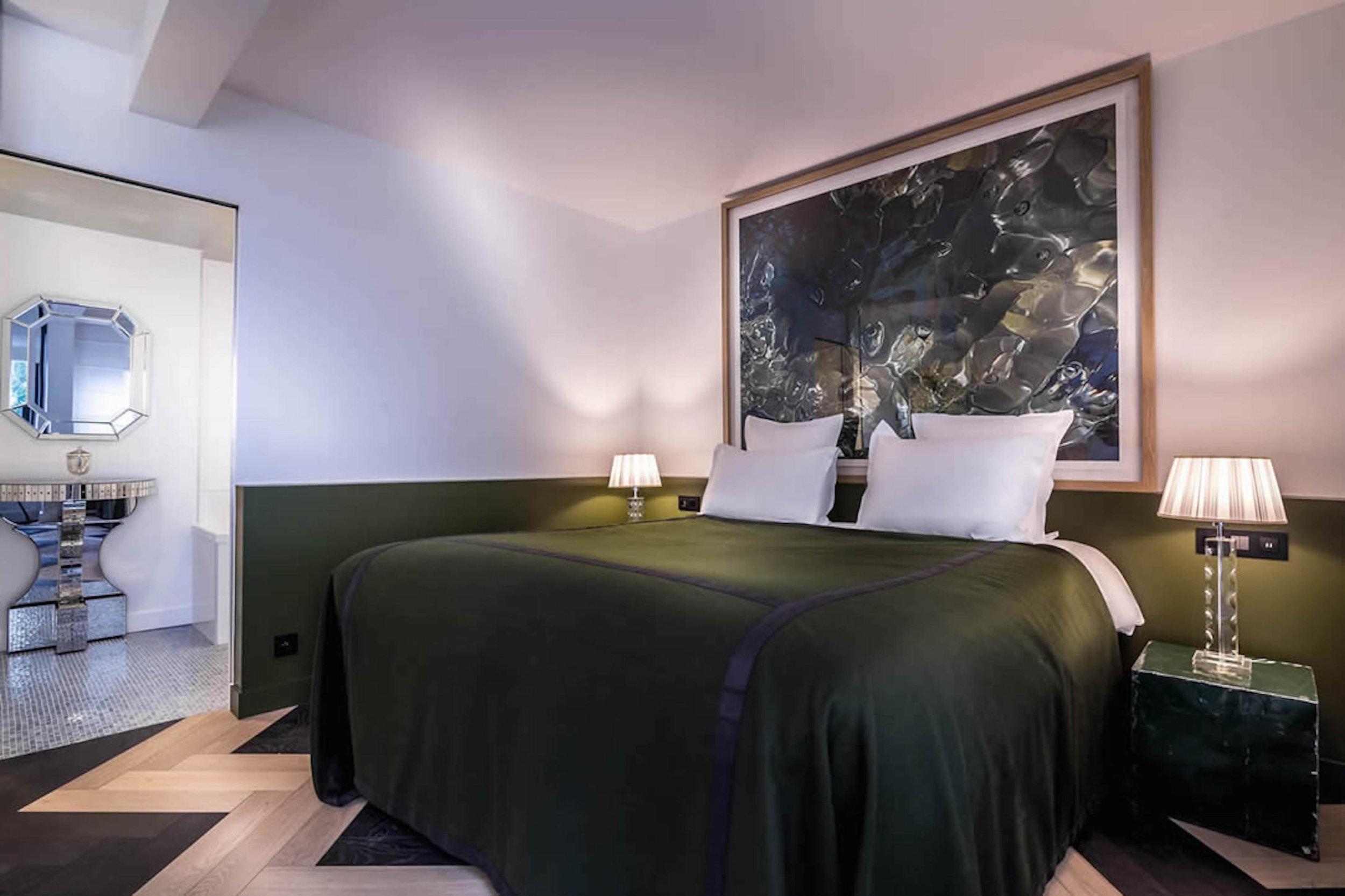 RAYZ-Bar-Bedroom.jpg