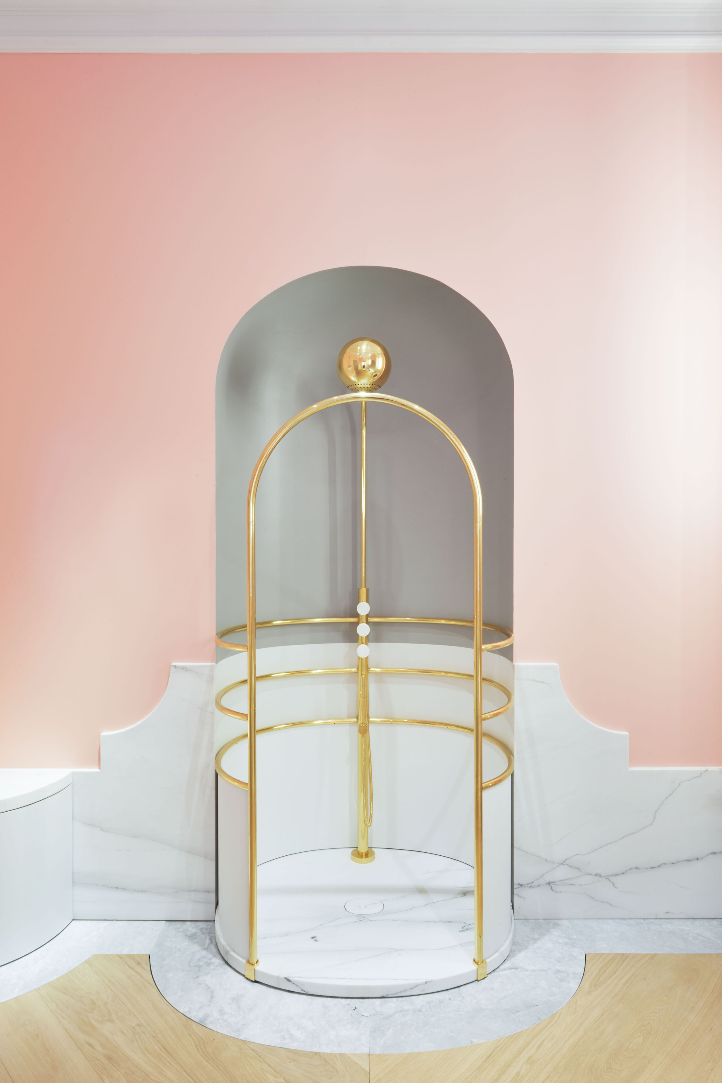 Shower - in marble and brass