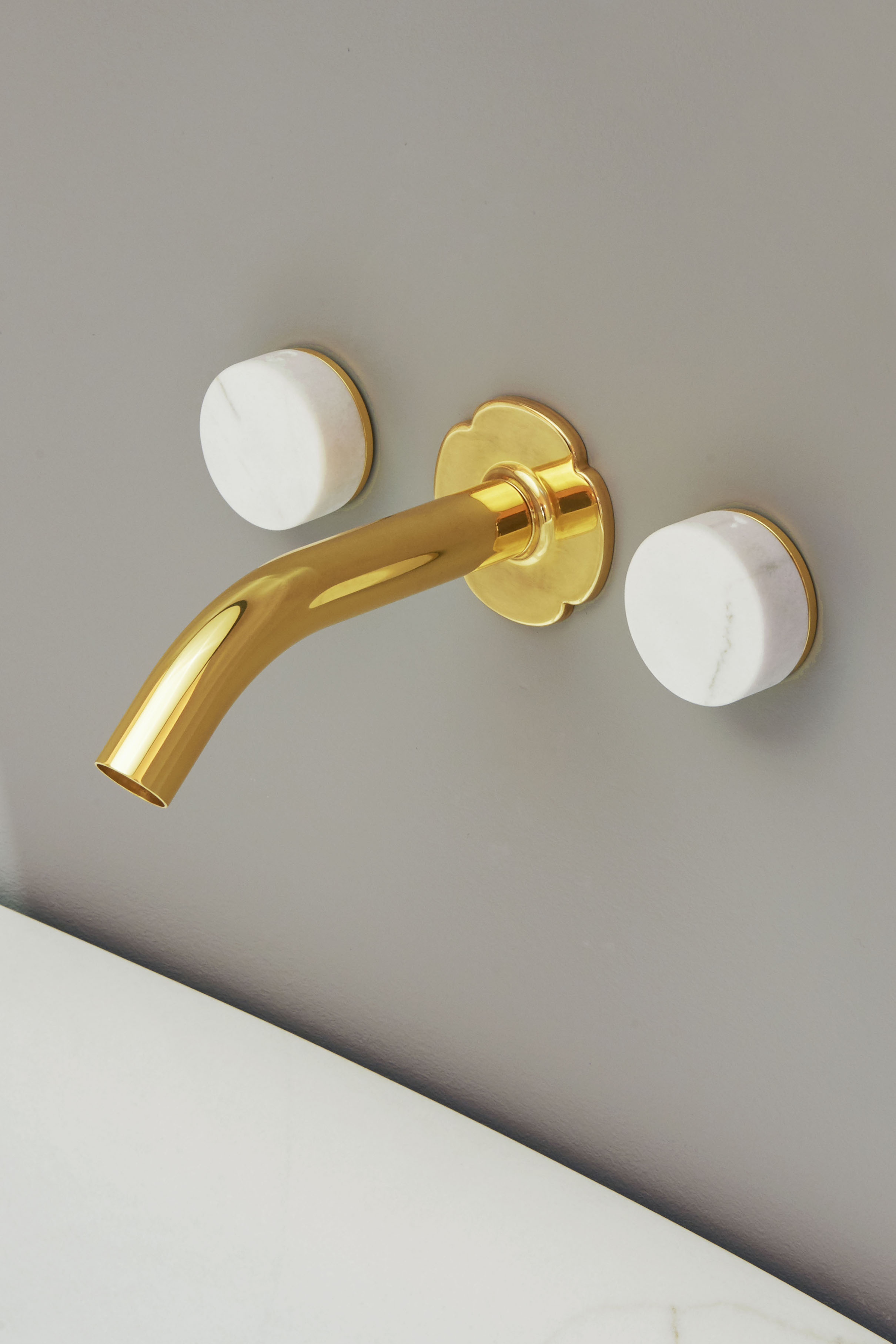 Bath mixer - in marble and brass