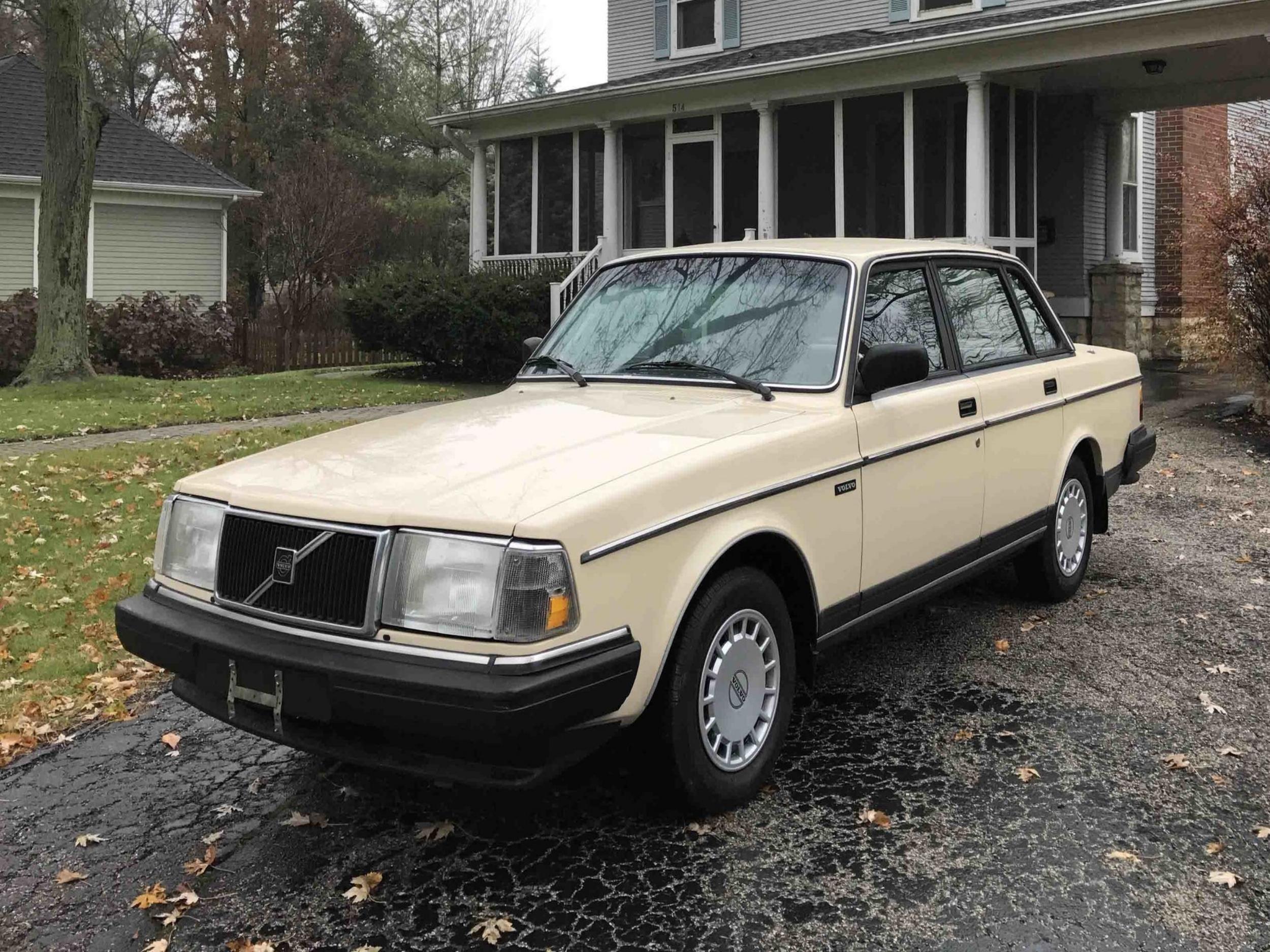 Gustav - '88 Volvo 240 - SOLD - Kansas City, MO