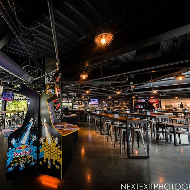 Eat, Drink & Game. 🍔🍻🎮Join us for Happy Hour specials from 3-7pm daily.* Half Off food, drinks and free games 📣📣📣 #happyhour #sportsbar #larestaurant #eventspace #specialevents