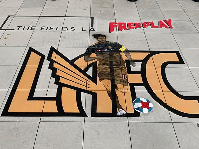 Swipe right     to see the beautiful work of art on our rooftop by @missing.artist @LAFC @thefieldsla  @freeplaydtla - Let's go #lafc #art #mural #rooftop #LA #losangeles #sportsbar #welovesoccer #viewsfromLA