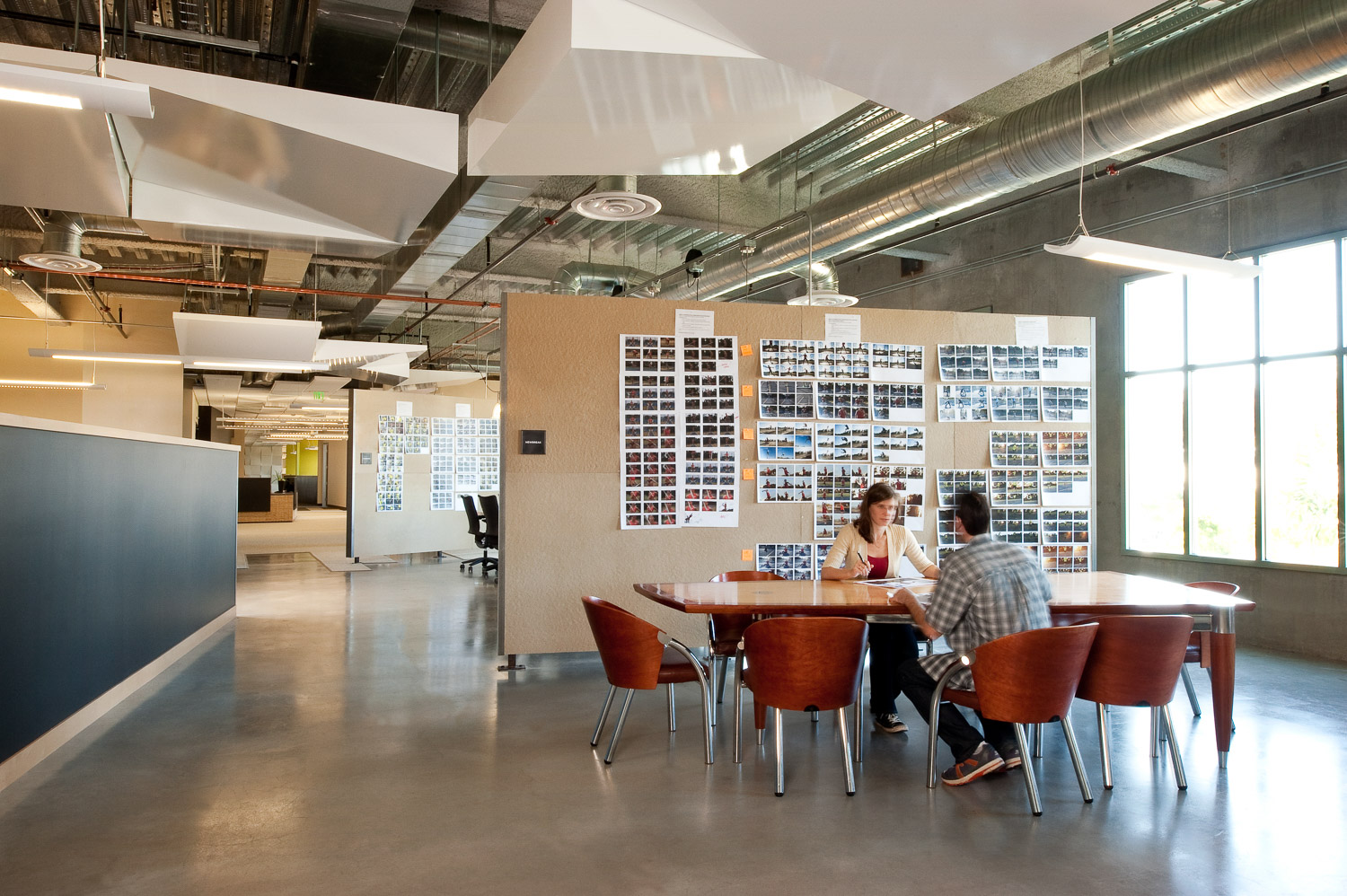 Vitro Ad Agency interior meeting space, interior architectural photography, commercial architecture