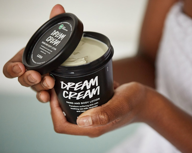 lush-dream-cream-black-tub-sustainable-package-design-finalist