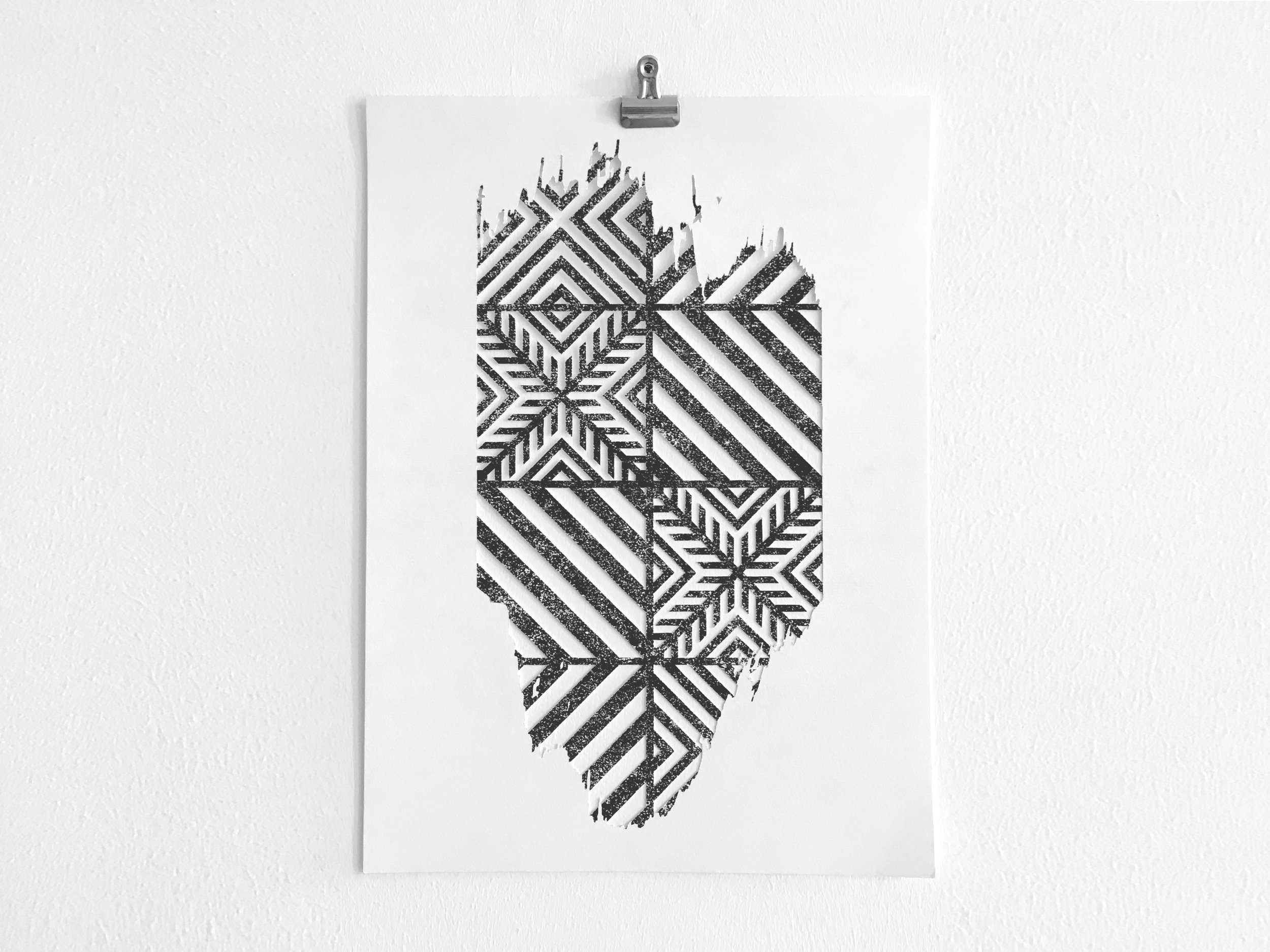 IN BETWEEN II  Digital print paper cut [A3] 75€