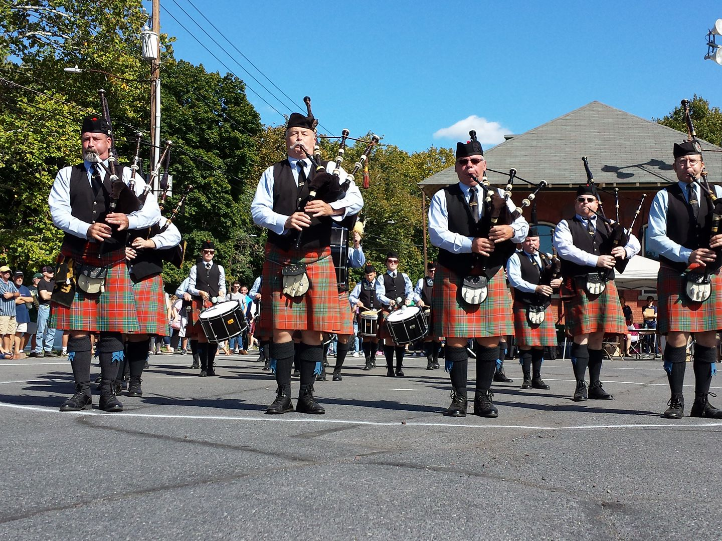 Hire the Band - St. Columcille provides a quality, crowd-stirring performance be it in parades, events, and stage performances. Click to learn more.
