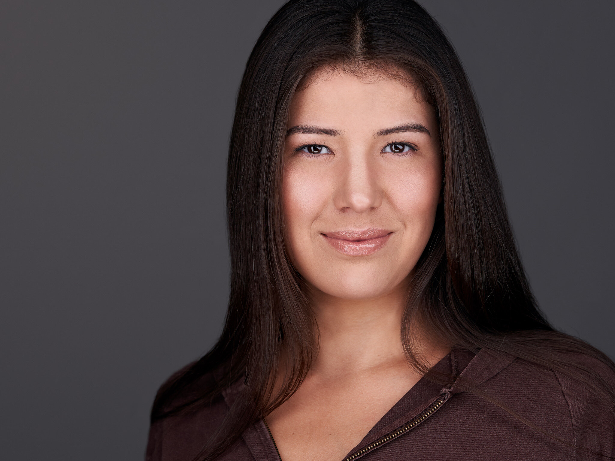 What makes a standout headshot: - A genuine expression where you look relaxed, confident and approachable.