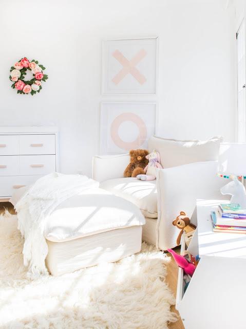 Emily-Henderson_Girls-Room_Big-Comfy-Chair_Flokati_Pink_Reading-Nook_1.jpg
