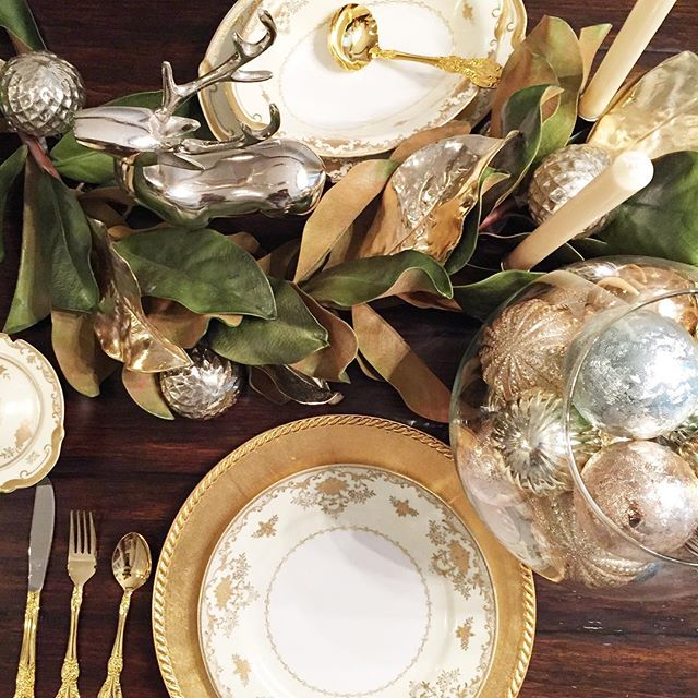 SHORT ON TIME, having a HOLIDAY PARTY or NEED HELP with your holiday decorating? I'M YOUR GO TO HOLIDAY STYLIST! I CAN: Work with your decorations or add to what you have, BUY NEW: go shopping for you! DECORATE: Table scapes, Table Settings, Mantles, Christmas Trees and more!  NOW BOOKING! Message me! #holidaystylist #holidaydecor #professionalholidayservice
