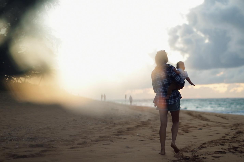 Sand in the Sky - Gnarly Bay - 4 minOllie tinha 8 meses quando viajou para o Havai. Estas são as suas memórias.