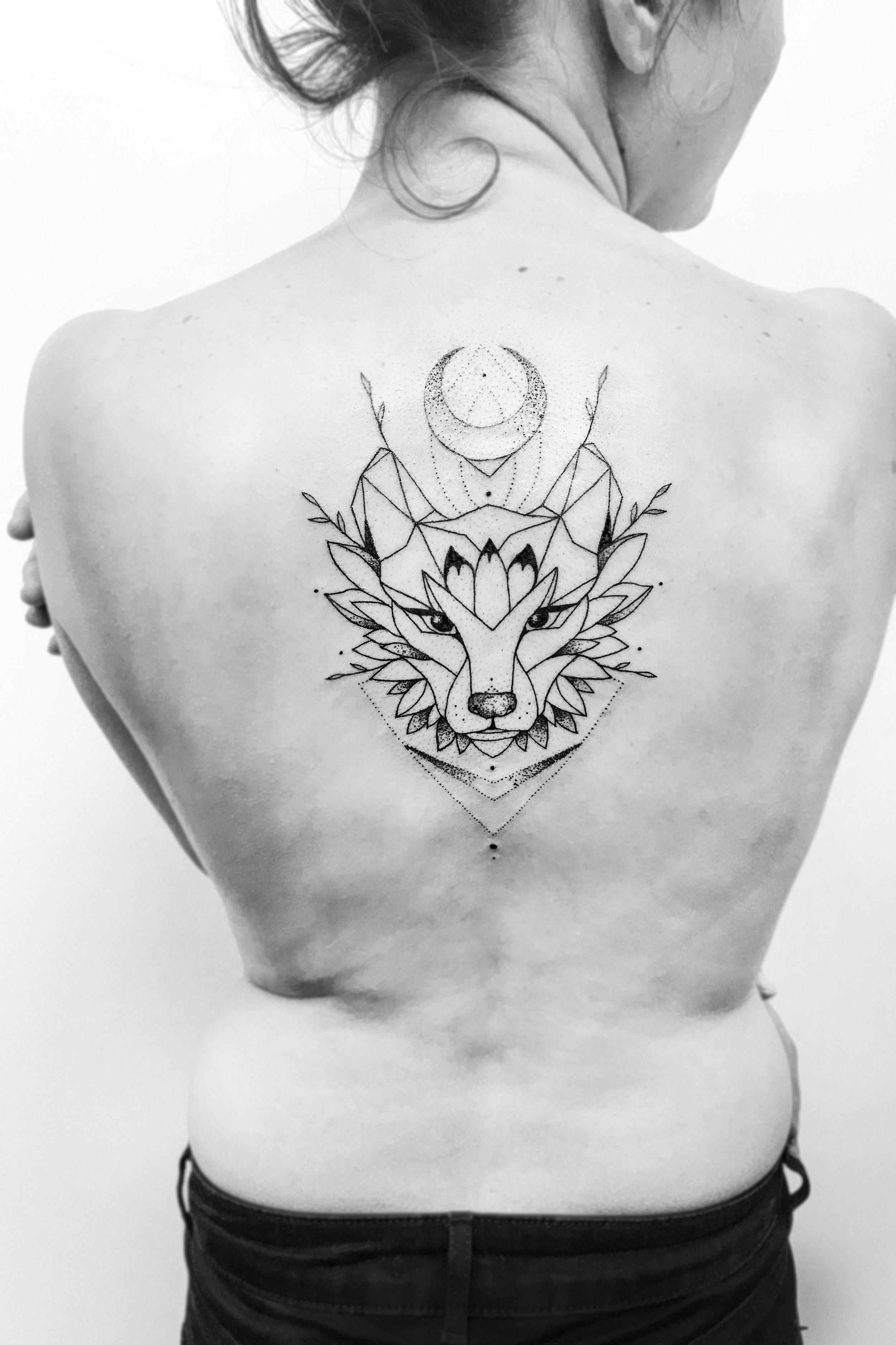 7. tattoo lapeaudure - Loup.jpg