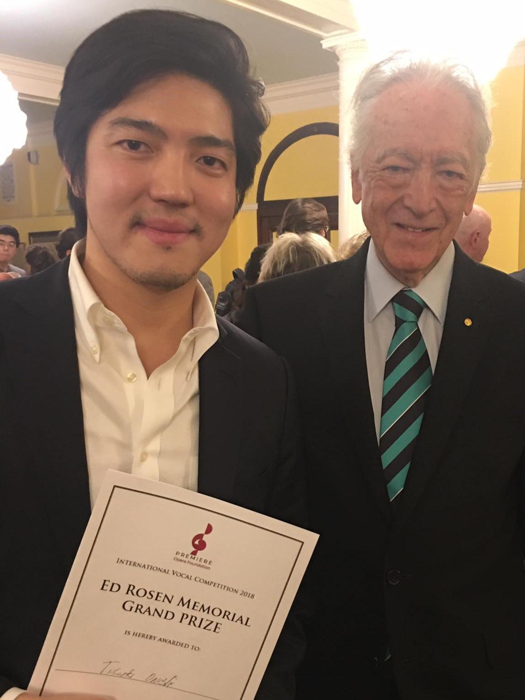 Takaoki Onishi and his Grand Prize win, with the President of our 2018 Jury, legendary Maestro, Richard Bonynge.
