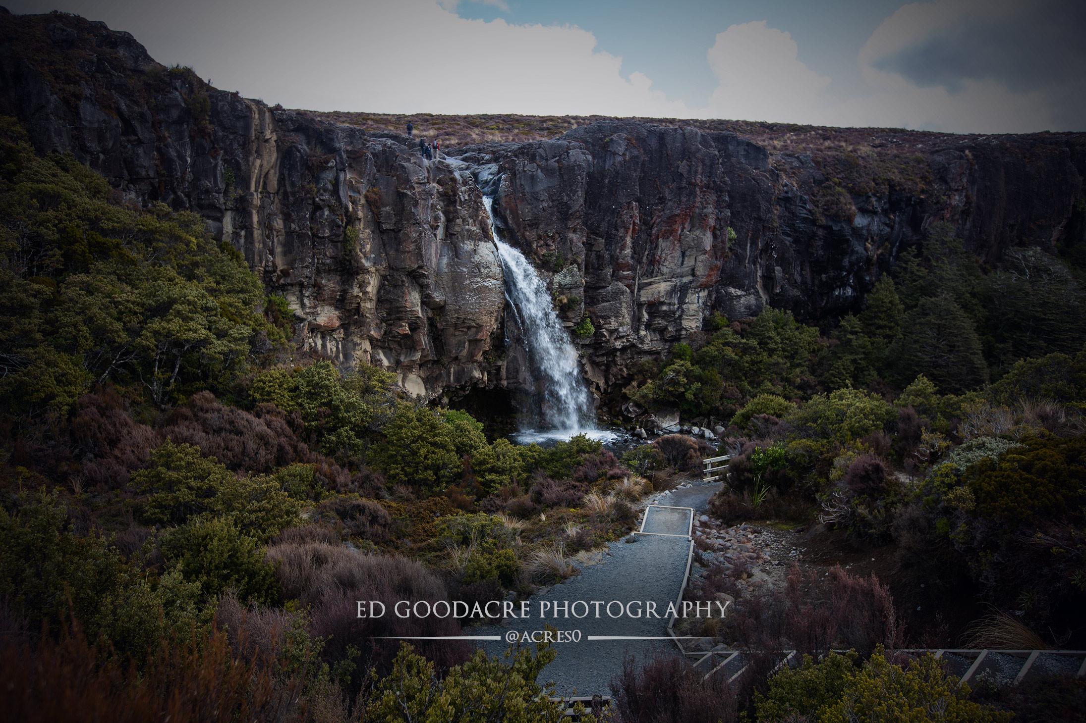 Tongariro-waterfall.jpg