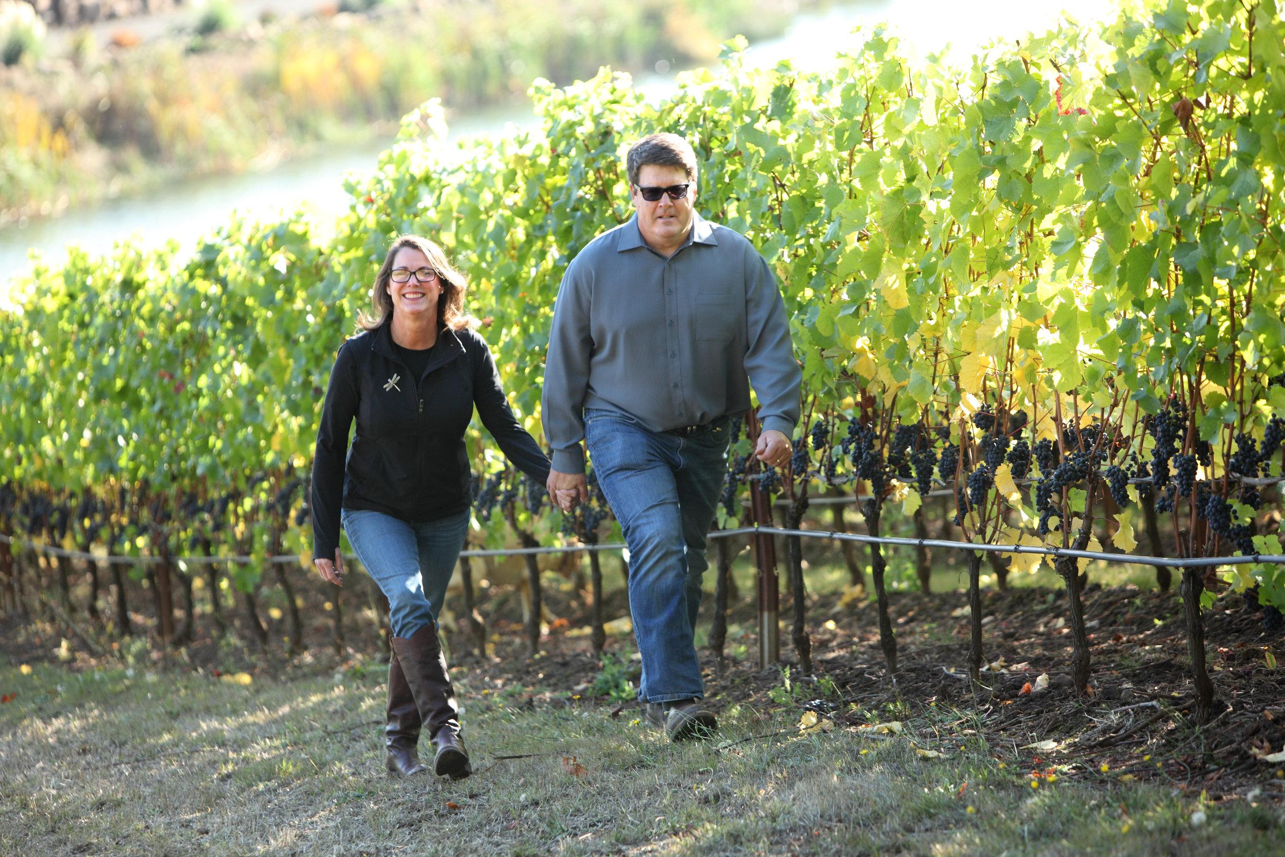 4751700020 pat and jackie vines.jpg