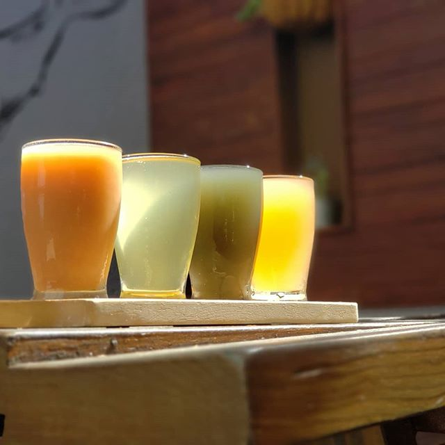Fly into Friday with a Kombucha Flight! Current lineup from left to right: @localrootskombucha Strawberry Mojito + 3 offerings from @juneshineco - cucumber mojito, midnight painkiller, & blood orange mint