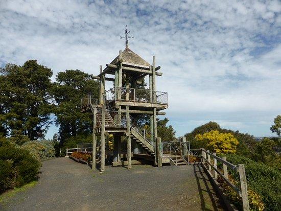 hoo-hoo-lookout-tower.jpg