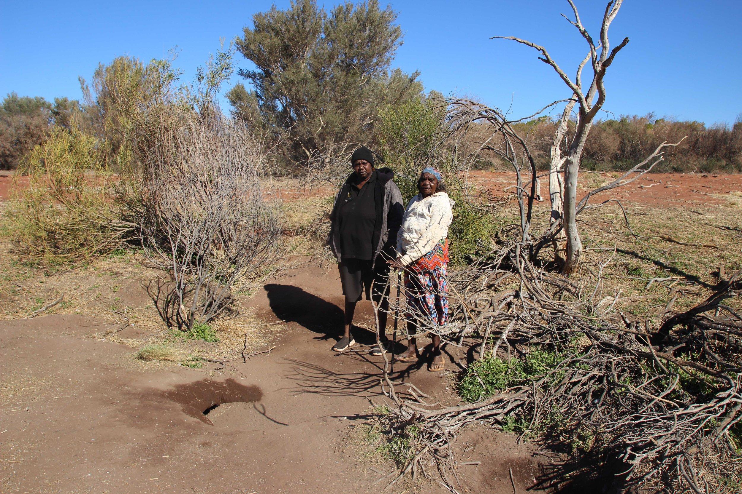 Noelene and Kumpaya at Mukurlan IMG_1831.jpg