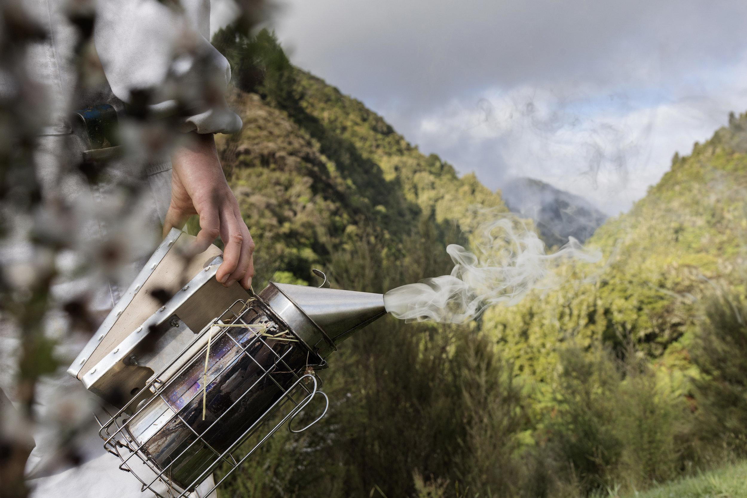 Manuka Emporium beekeeper smoke.jpg