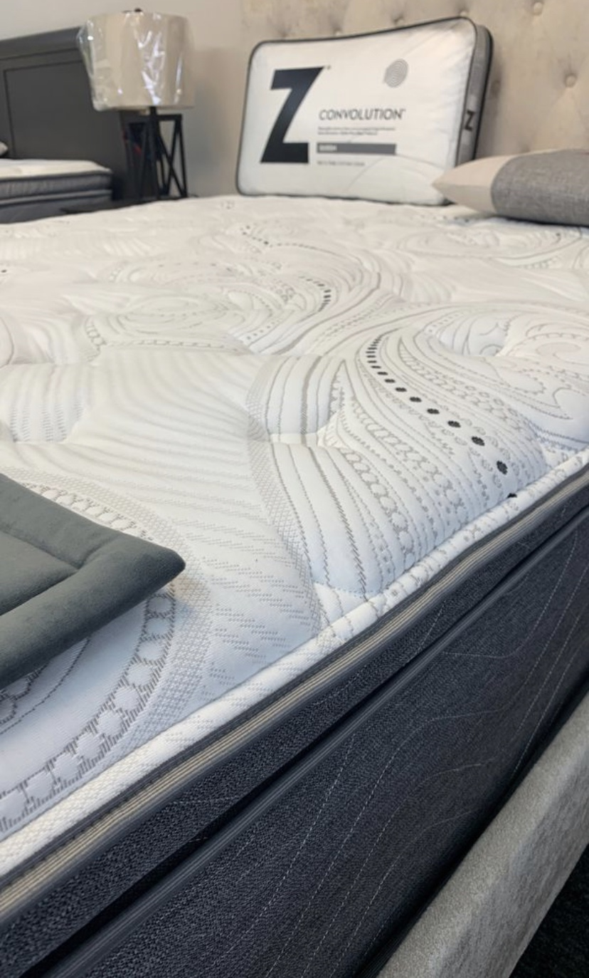 Legacy PiLlow top by GoldEn mattress   The legacy pillOw top mattress is a plush feeling MATTRESS, HaVing that Extra Memory Foam pillow top to gIve you that PERFECT inNersPring to memory foam feelIng.   10 YEAR LIMITED WARRANTY   SIZES AVAILABLE  TWIN, TWIN XL, FULL, QUEEN, KING, CALIFORNIA KING
