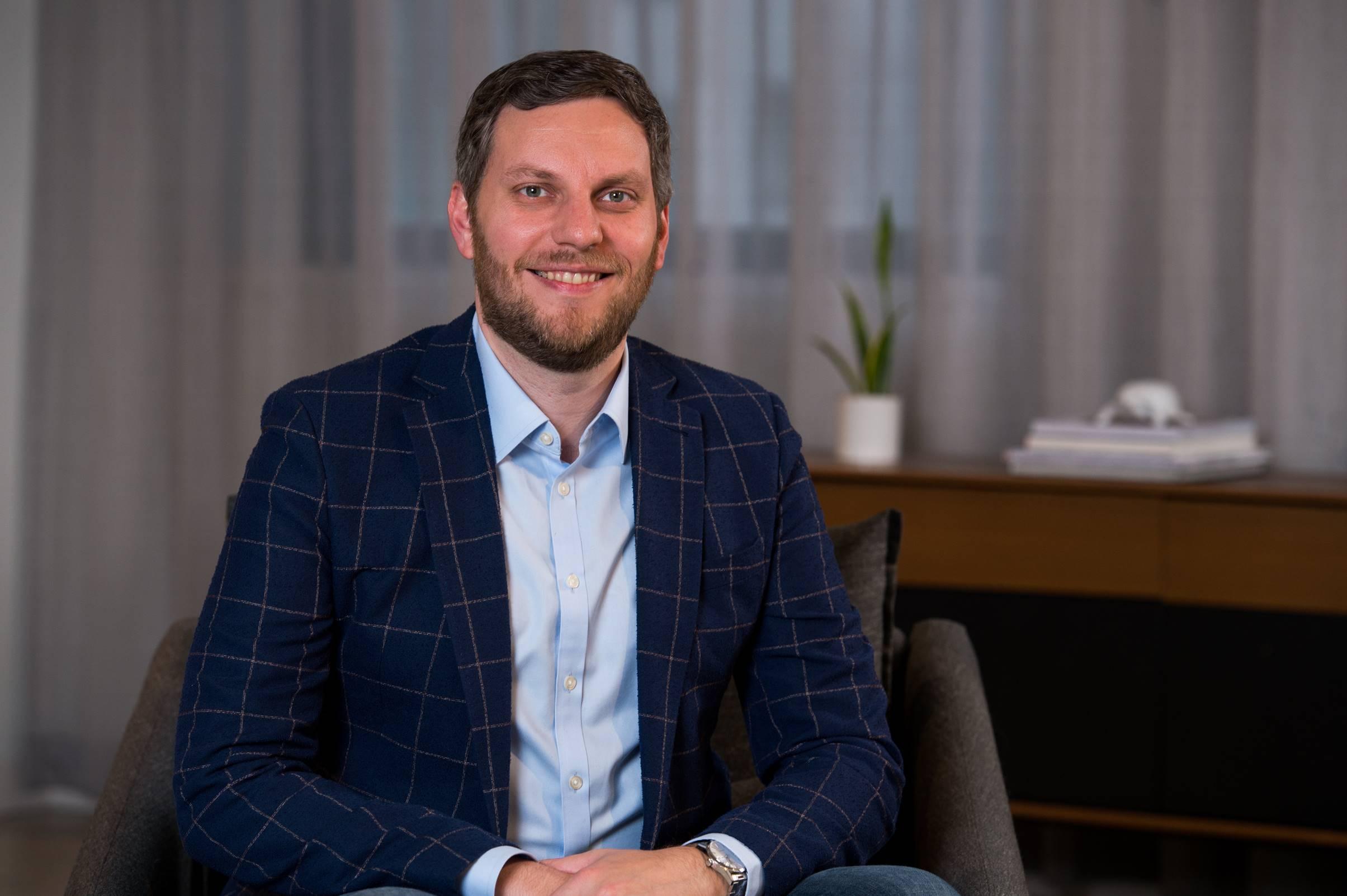 Chris Iconos, Vice President & Global Energy Practice Lead, Axiom