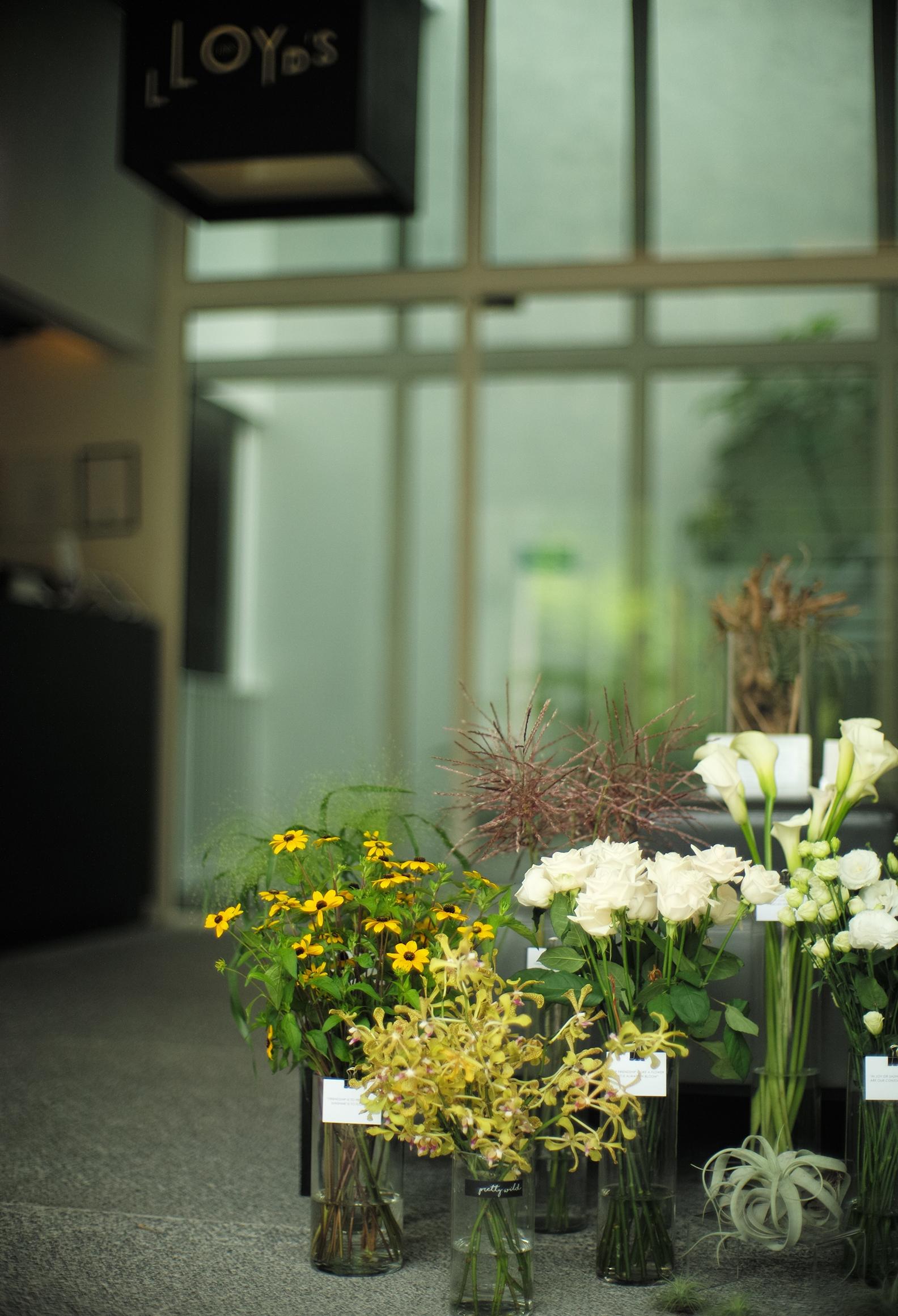 Lloyd's-Inn-Bespoke-Floral-Bar_LR.jpg