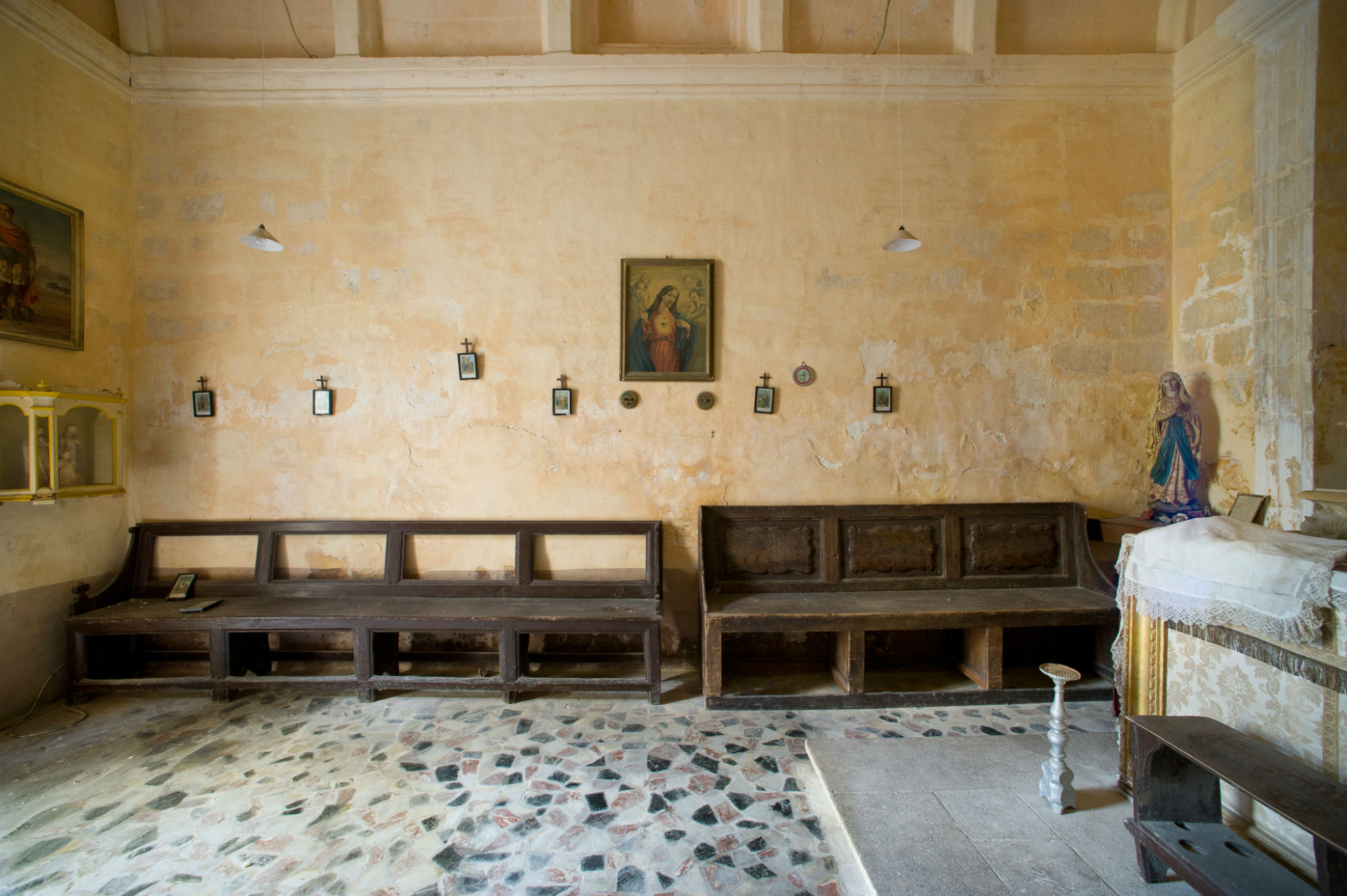 St_Peters_Chapel_2a.jpg