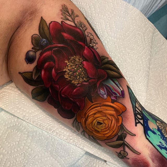 Peony, Ranunculus floral bundle made yesterday for the super lovely Deidre ♥️ of @wearefemaletattooers ✨  Such a great day thanks a bunch for collecting from me! Next to some gorgeous work from @paulmarino917 and @giarosetattoo  Made with my faves #oztattskincare #stencilstuff #quickcaps #fytcartridges ✨