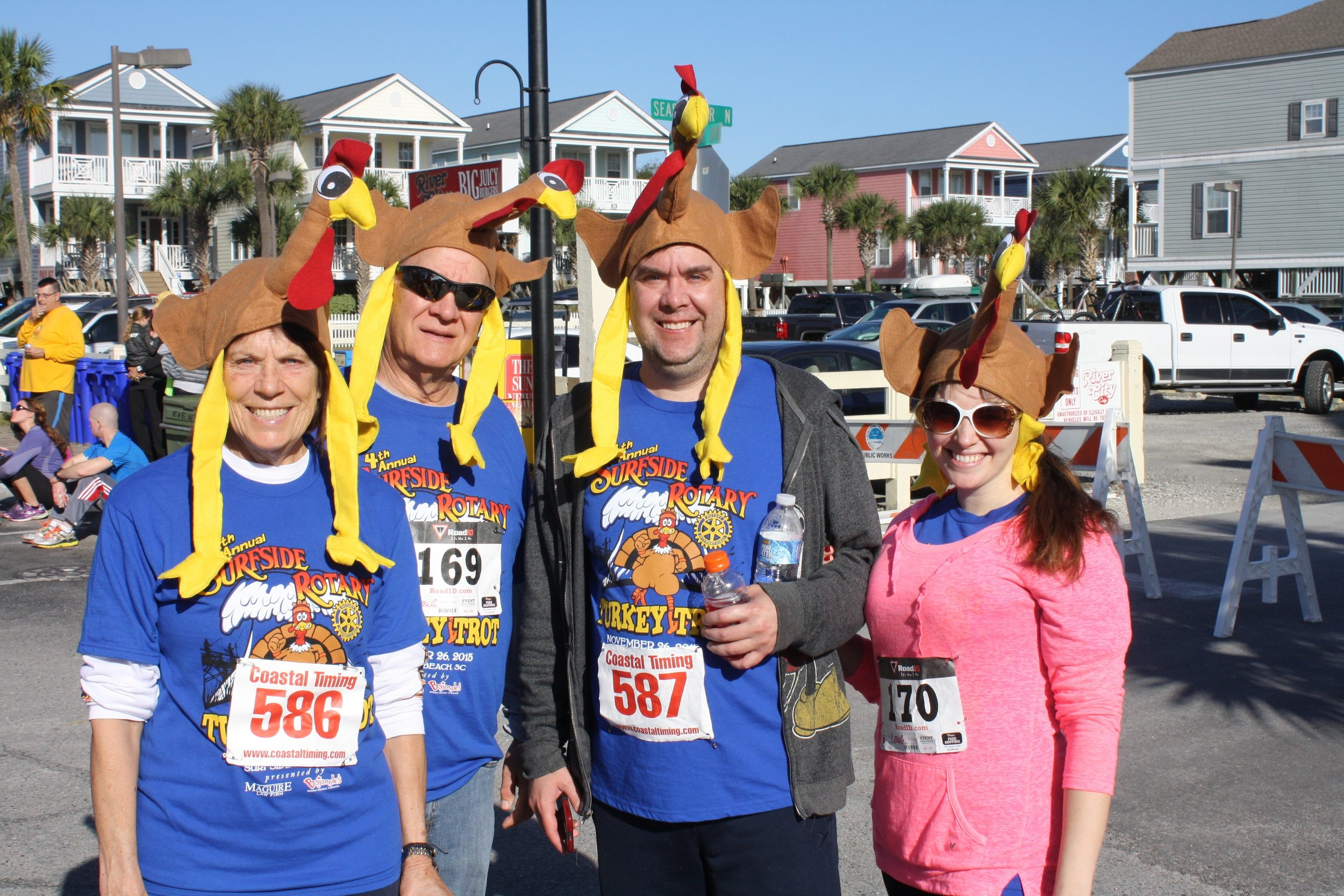 surfside turkey trot people.jpg