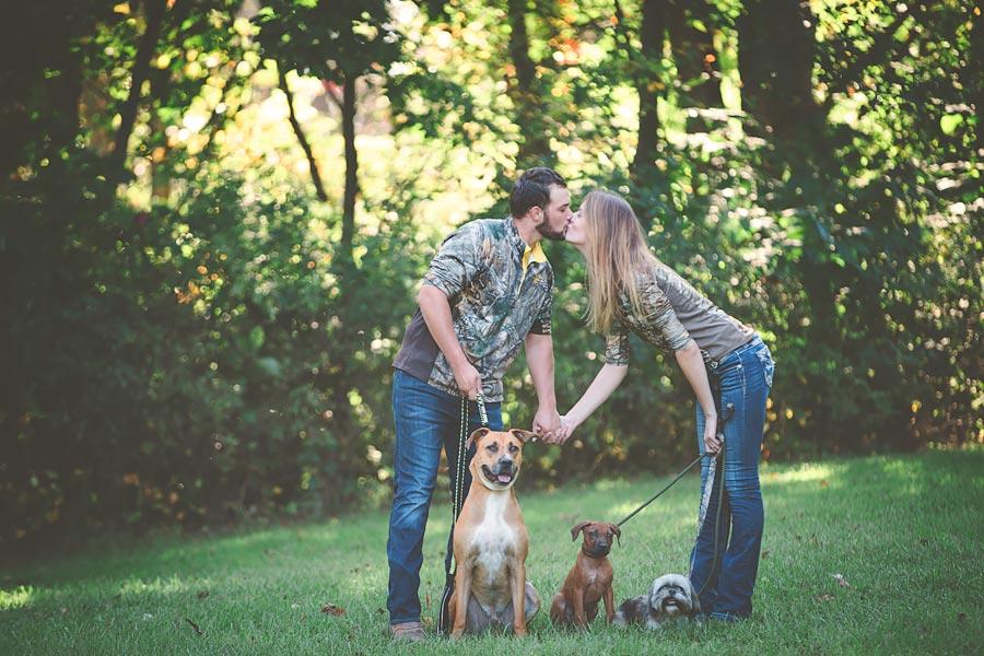 Indiana-Barn-Engagement02.jpg