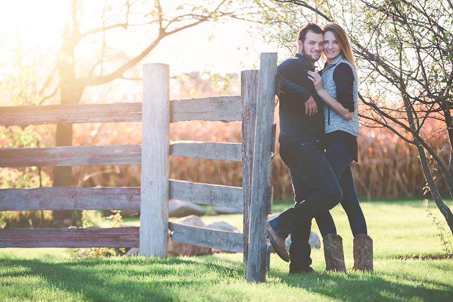 Indiana-Barn-Engagement07.jpg