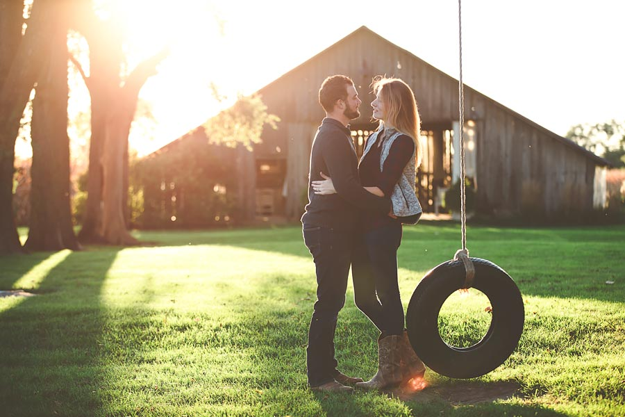 Indiana-Barn-Engagement15.jpg
