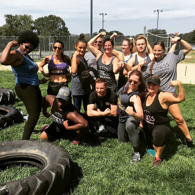 Had a great time with the crew at the local @spotworkouts so proud to watch the crew show up and crush those obstacles!  #fitnessacademy #folsom #fitness #functionaltraining #obstaclecourse #teamwork #sundayfunday