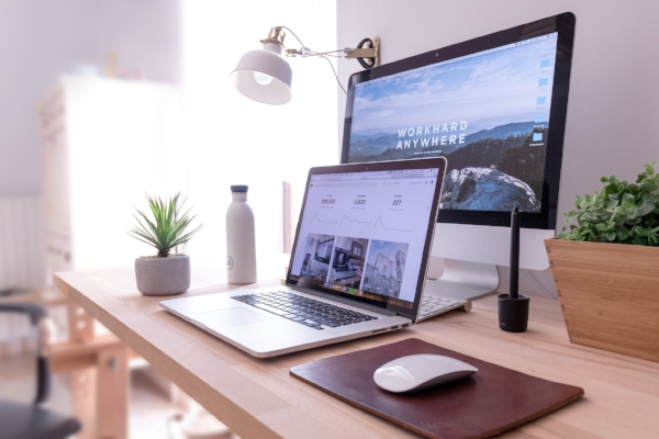 Work From Home Hacks for Virtual Assistants and Remote Workers | www.labcreativeco.com