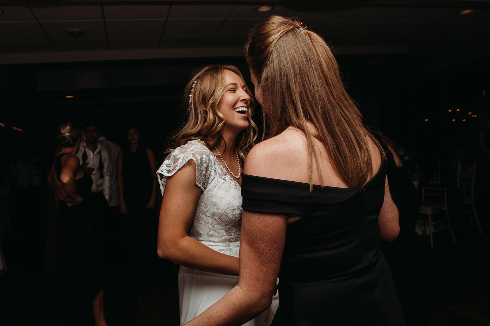 dances-bouquet-reception-2018200125.jpg