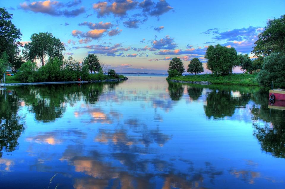 lake-2005857_960_720.jpg