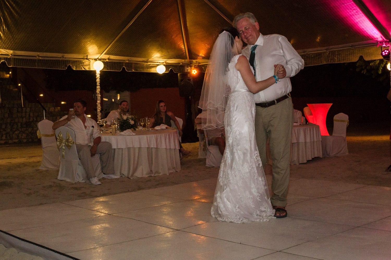 Montreal Wedding Photographer-Mandy & Randy (3 of 7).jpg