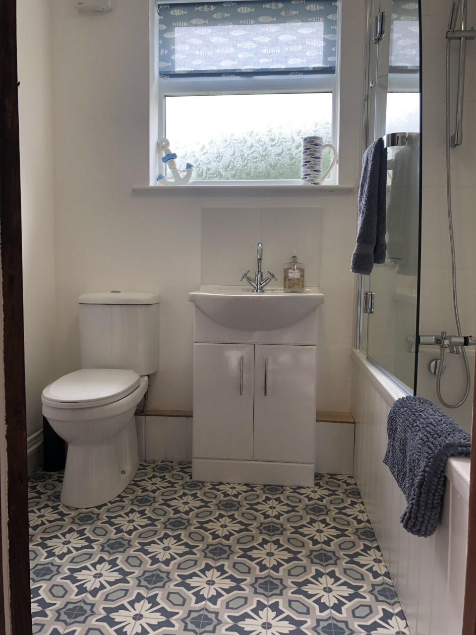 West bathroom.jpg