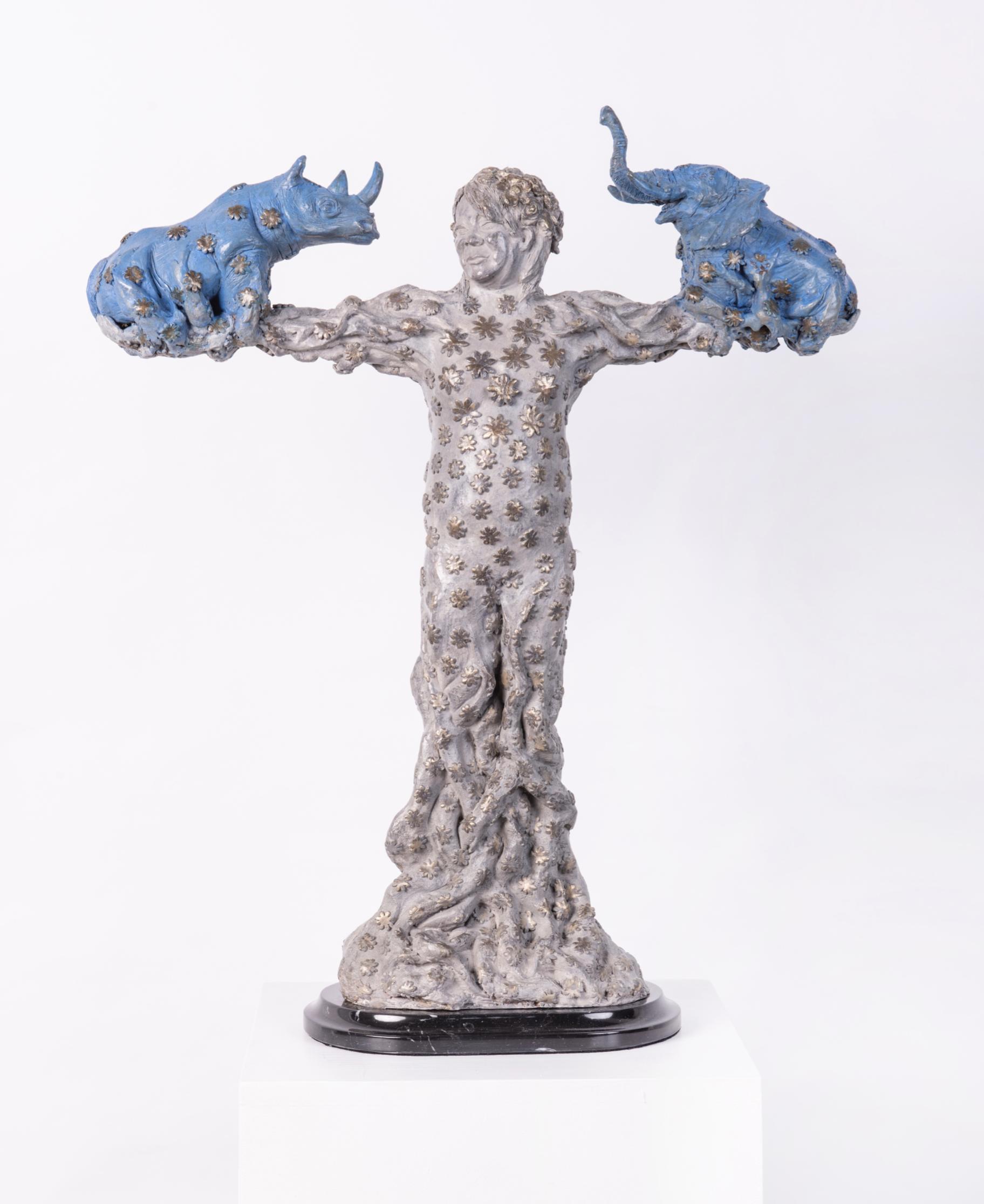 "Título:  ""El Amuleto"", 2018.   Autor:  Alejandra Zermeño.   Técnica:  Bronce a la cera perdida.   Medidas:  54 x 45 x 15 cm."