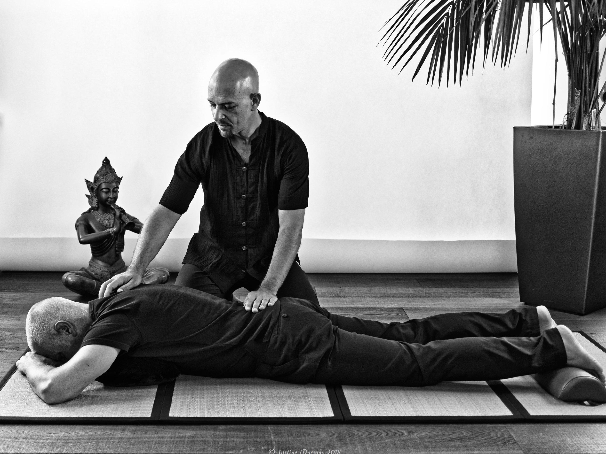 Le shiatsu peut vous aider en cas de troubles émotionnels et dans le cadre de la gestion du stress . vital shiatsu Arles 13 .